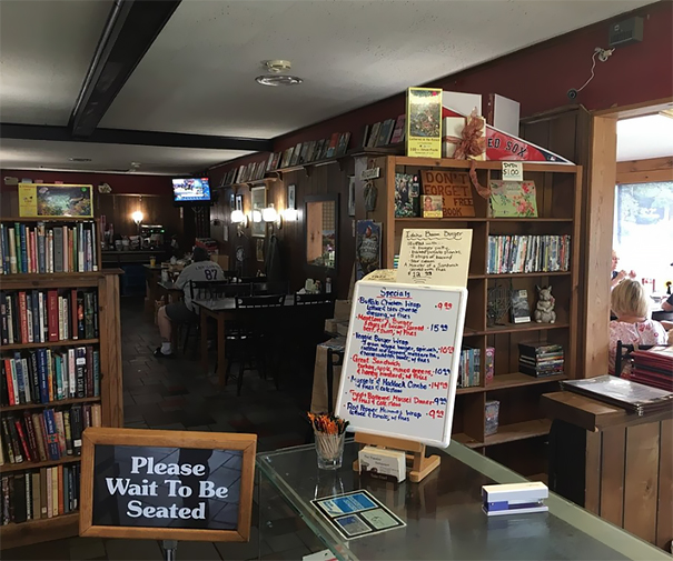 free-books-traveler-restaurant-connecticut (7)